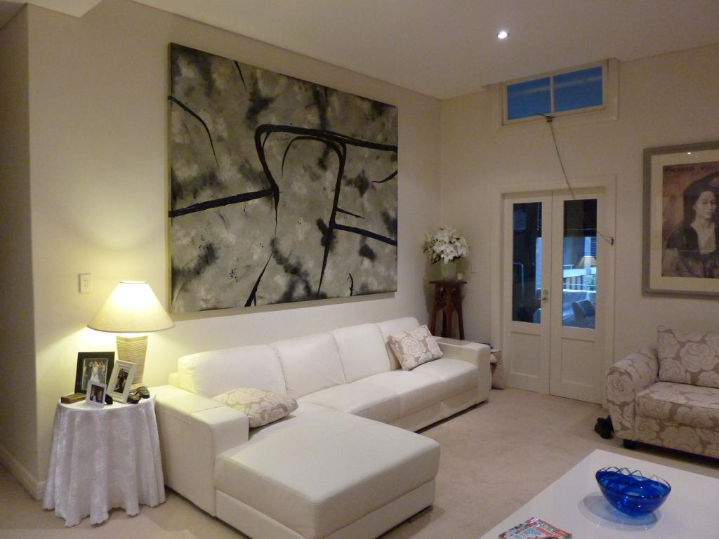 Interior Design Wall Painting: Using Abstract Artworks For Interior Design